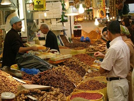 الداودي يؤكد توفر الأسواق الوطنية على المواد الغذائية اللازمة وبكمية كافية خلال رمضان