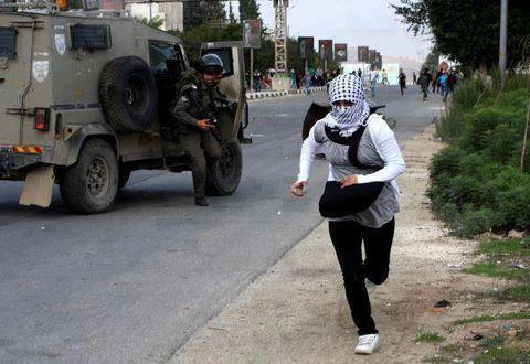 تقريريكشف فُقْدَانُ السلطة الفلسطينية 85% من المساعدات العربية