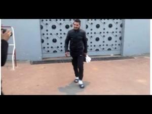 لحظة اطلاق سراح «» بطل فيديو »مول الزفث»