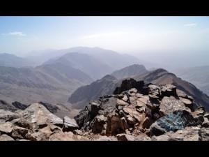 الطريق إلى قمة جبل تيفرت