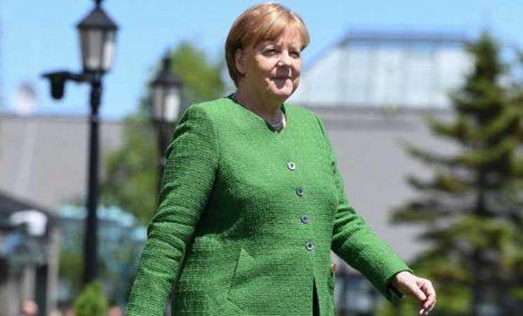 مرشحة لرئاسة حزب ميركل بألمانيا تتطلع لتخصيص حصة للمرأة في البرلمان وتنتقد الجنسية المزدوجة