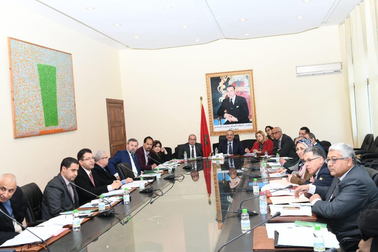 الأعرج يؤكد حرص وزارة الثقافة والإتصال على تنزيل المكتسبات الدستورية المرتبطة بتنمية الإبداع  الثقافي والفني