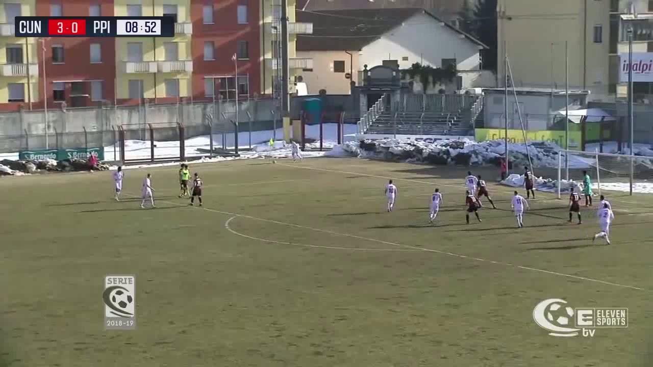 سجل 6 أهداف في مباراة واحدة .. لاعب مغربي يدخل تاريخ الكرة الإيطالية