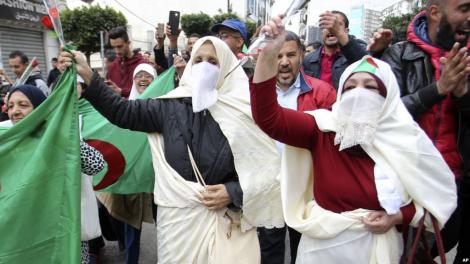 الجيش الجزائري يرفض أبرز مطالب الحركة الاحتجاجية