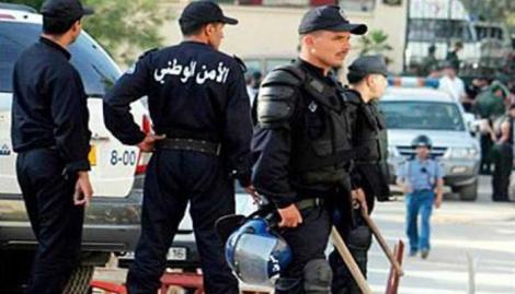 الجزائر توقف خمسة رجال أعمال كبار