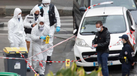 """بعد ست سنوات من الهجوم على """"شارلي إيبدو"""" حادثة طعن تعيد مشاهد الرعب إلى المنطقة"""